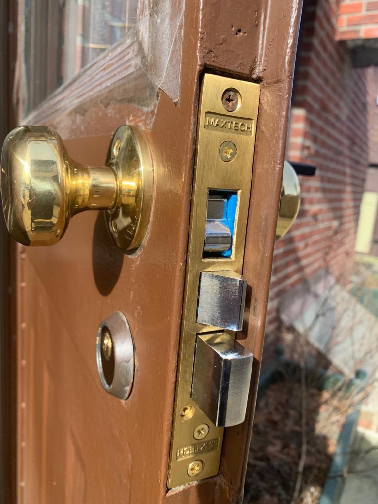 Pro Locksmith - Unlocking Services