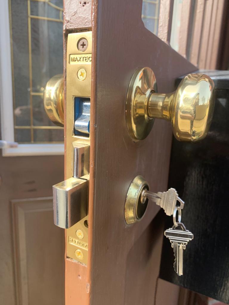 Pro Locksmith - Nearby Locksmith