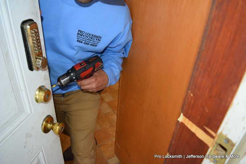 Pro Locksmith - 24 Hour Emergency