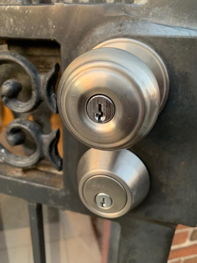 Pro Locksmith - Nearby Locksmith